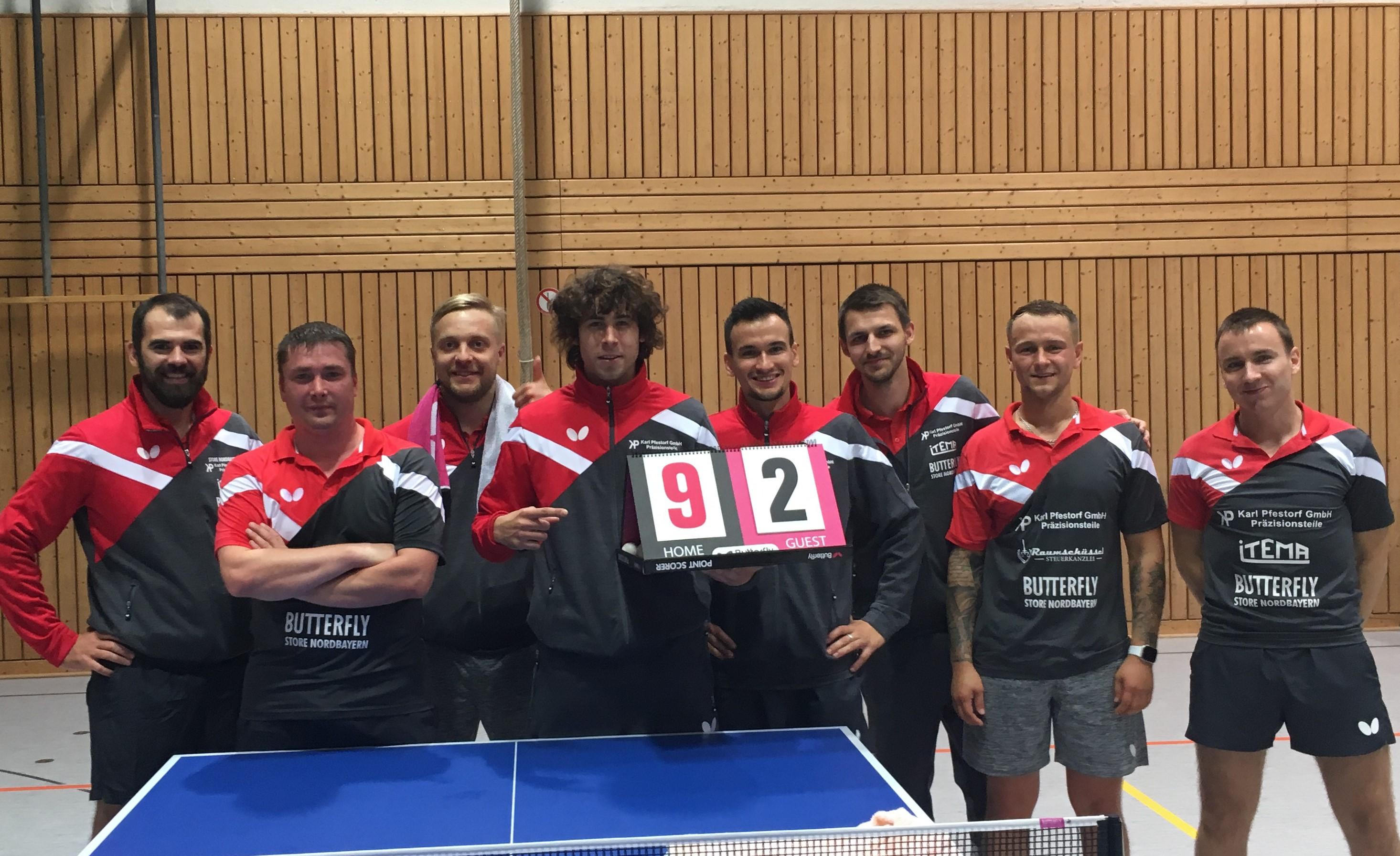 Mannschaftsbild nach Sieg gegen Magdeburg